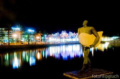 alicante harbour at night